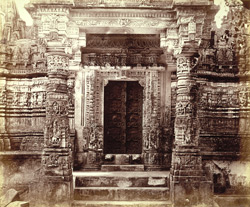 Entrance porch of the Kumarapala Temple, Satrunjaya